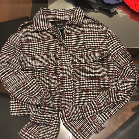 621e3ac75db Bershka Jackets   Blazers - Plaid houndstooth cropped jacket